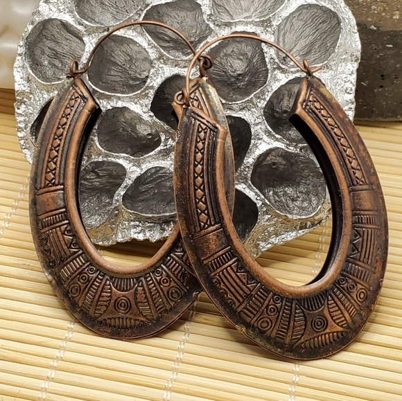 PinkDiva Boutique Jewelry - Long Carved Tribal Antiqued Copper Oval Earrings